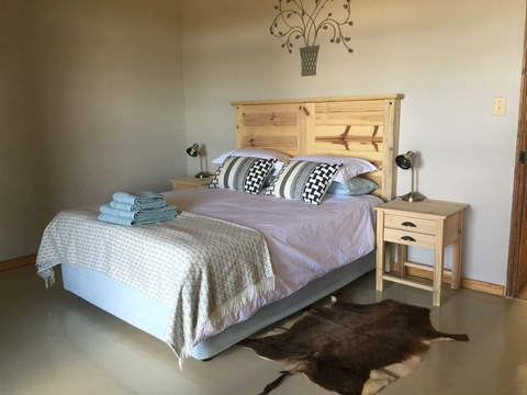Comfortable bedrooms in Lara's on Roodepoort Farm, Clarens